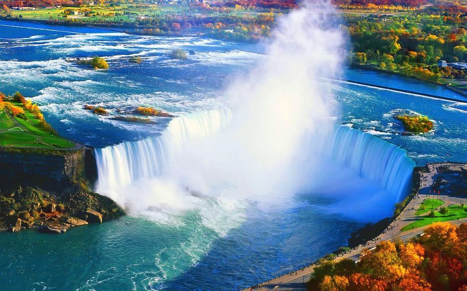 Volar sobre cataratas del Niagara