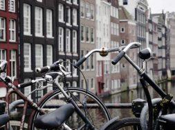 Como ir del aeropuerto al centro de Amsterdam