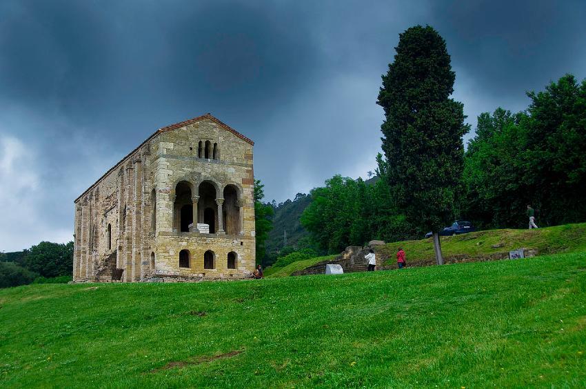 Santa María del Naranco